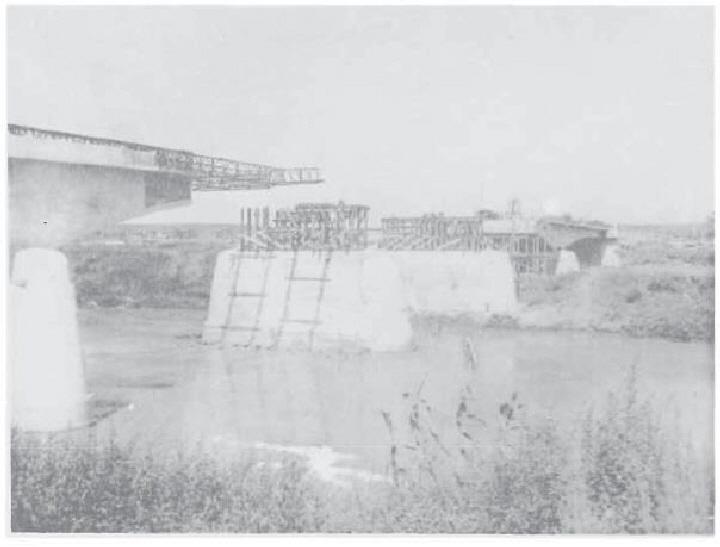 Photo 5 - 337th's Tiber bridge before launching